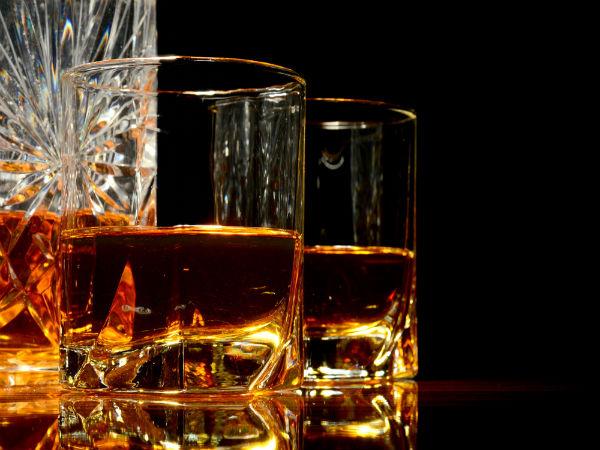 Hạ sốt bằng rượu chứa methanol rất có thể sẽ bị ngộ độc