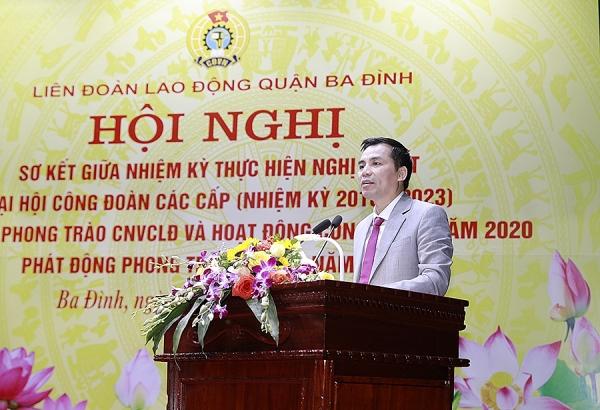 Công đoàn Dược phẩm Tâm Bình nhận Cờ thi đua của Liên đoàn Lao động TP Hà Nội