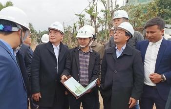 Chủ tịch tỉnh Phú Thọ kiểm tra việc xây dựng dự án tổ hợp khách sạn nghỉ dưỡng gây nứt nhà dân