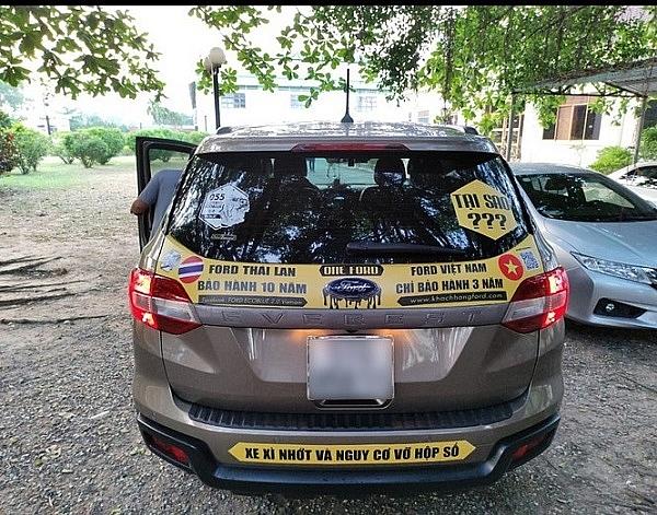 Hàng loạt chủ xe Ford bị lỗi chảy dầu diễu hành đòi quyền lợi