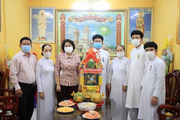 TP.Hồ Chí Minh thăm, chúc mừng cơ sở tôn giáo nhân Tết Thượng Ngươn
