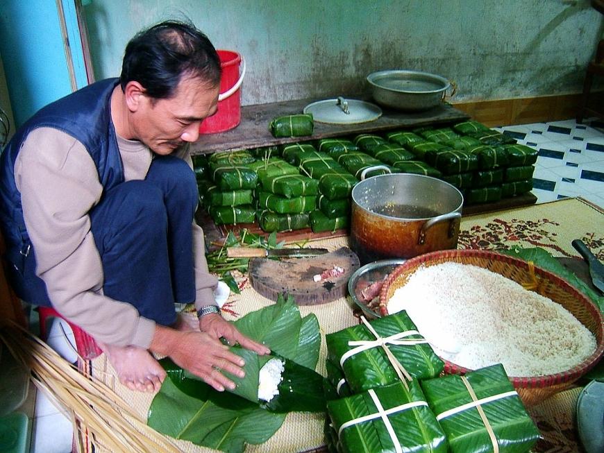 Bánh chưng là một loại bánh truyền thống của dân tộc Việt
