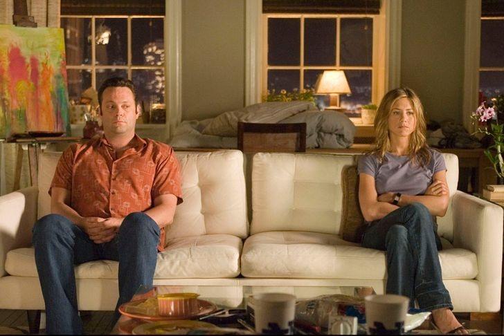 Vợ chồng mâu thuẫn không nên chia sẻ lên mạng xã hội. Ảnh: Bright Side