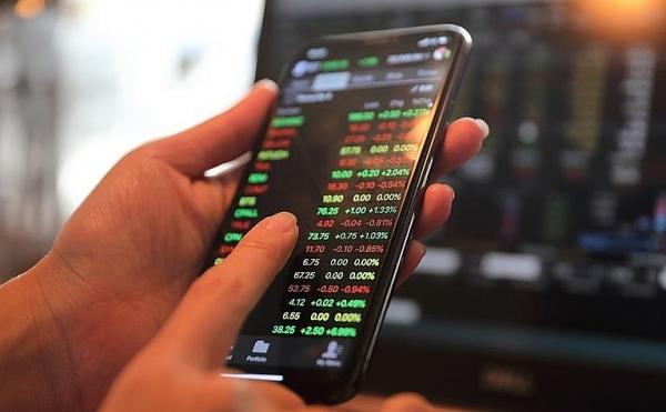 Xử phạt thành viên HĐQT Công ty cổ phần Đầu tư phát triển Thương mại Viễn Đông