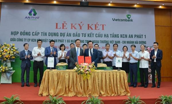 Vietcombank Hải Dương ký kết hợp đồng cấp tín dụng 1.200 tỷ đồng với Công ty CP KCN kỹ thuật cao An Phát 1