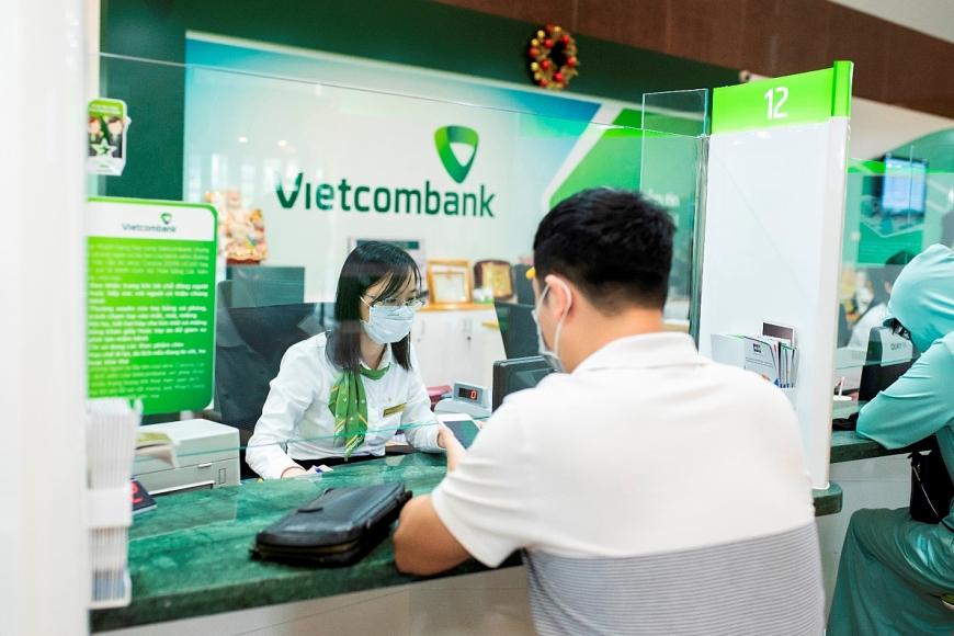Hình ảnh giao dịch tại Vietcombank trong bối cảnh COVID-19