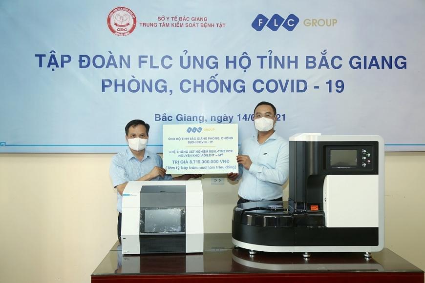 Tập đoàn FLC trao tặng tỉnh Bắc Giang 3 hệ thống xét nghiệm Covid-19 trị giá gần 9 tỷ đồng