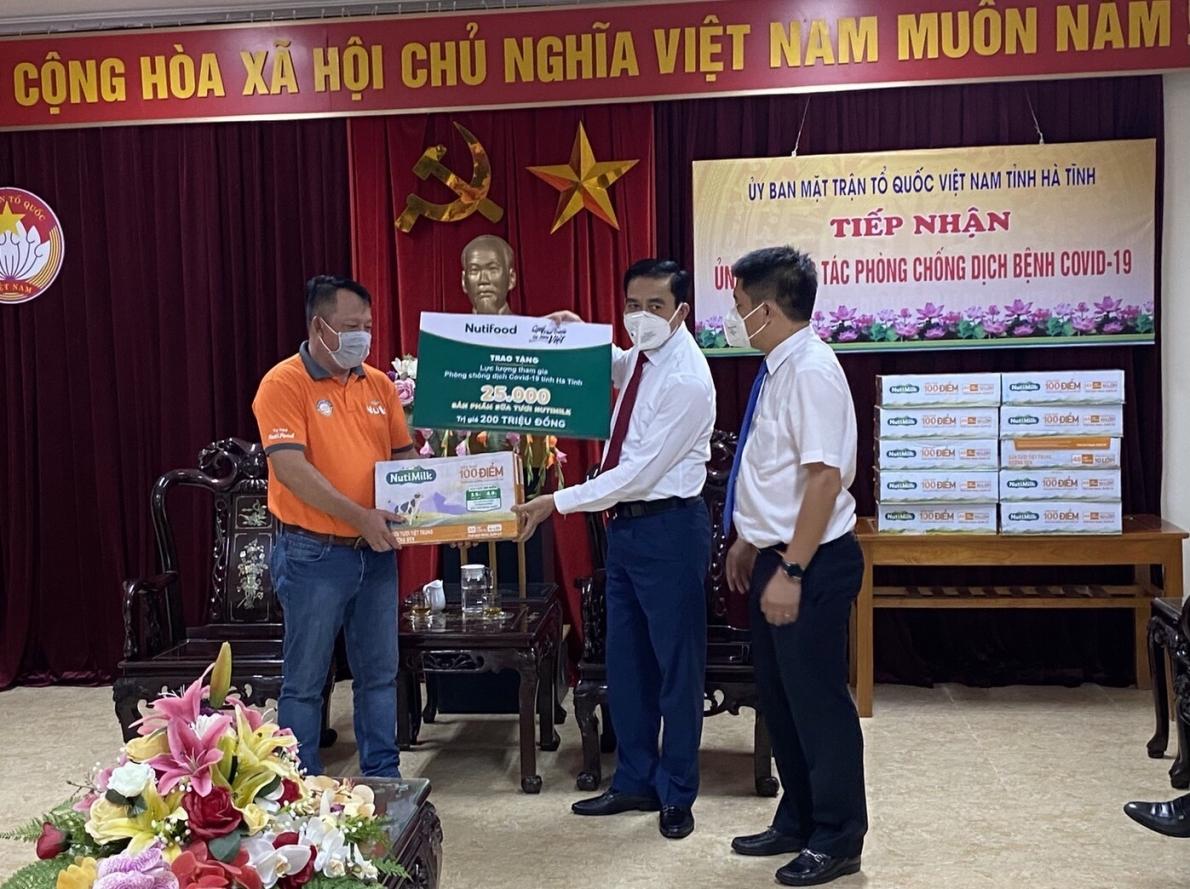 Qũy Phát triển Tài năng Việt: Chung tay cùng lực lượng chống dịch Hà Tĩnh