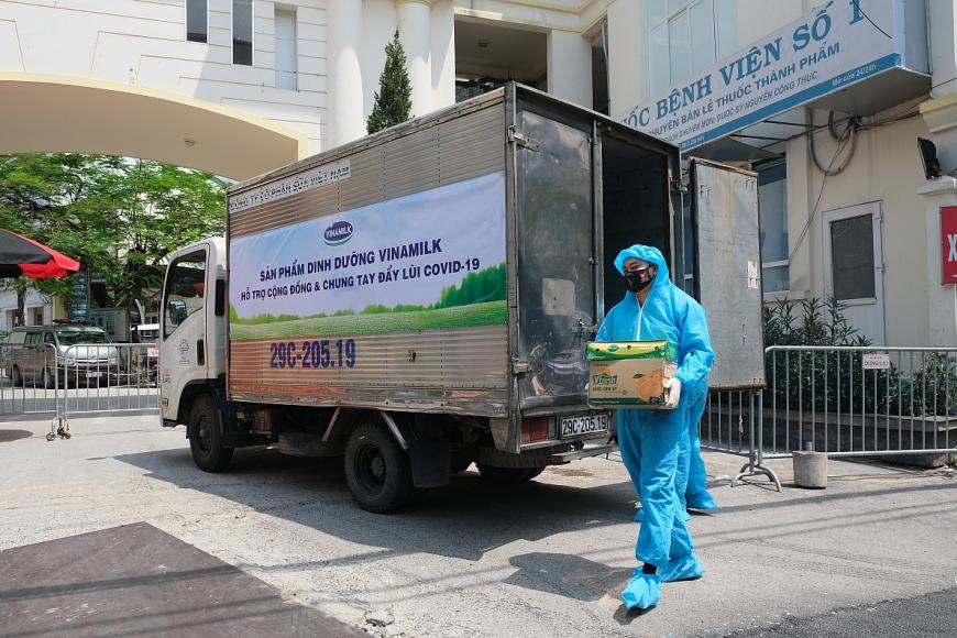Trong năm 2021, Vinamilk đã ủng hộ 2 triệu sản phẩm các đối tượng bị ảnh hưởng bởi đại dịch, đặc biệt là trẻ em.