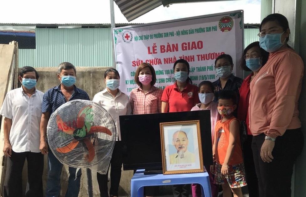 TP. Thủ Đức, TP Hồ Chí Minh: Trao nhà tình thương và hỗ trợ các gia đình có hoàn cảnh khó khăn