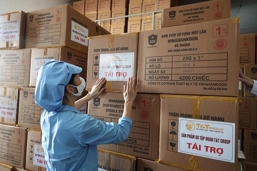 """Tập đoàn T&T Group """"tiếp sức"""" cho TP Hồ Chí Minh 500.000 bộ bơm tiêm nhằm hỗ trợ địa phương trong đợt tiêm chủng vắc-xin COVID-19 lớn nhất từ trước đến nay"""