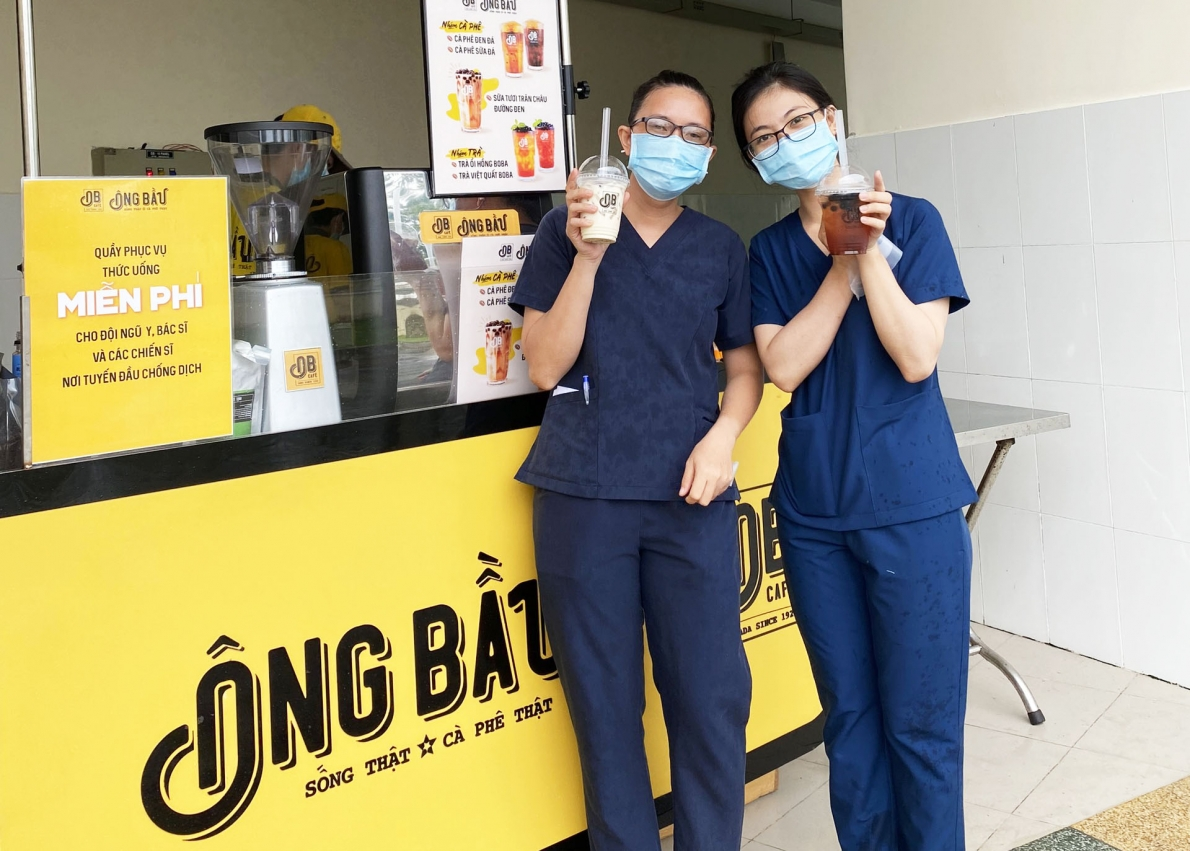Cà phê Ông Bầu tiếp thêm năng lượng cho các y bác sĩ trong cuộc chiến chống dịch đầy cam go