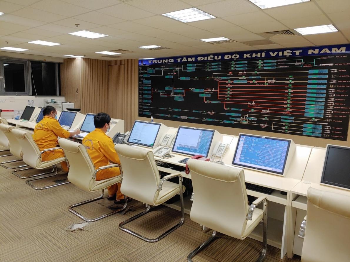 Người lao động dầu khí tại Trung tâm Điều độ khí