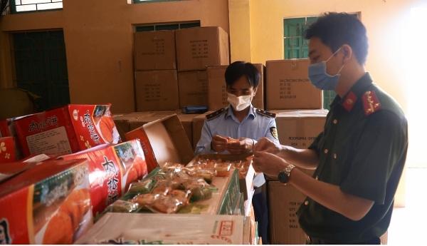 Hà Nội: Thu giữ hơn 11000 bánh Trung thu không rõ nguồn gốc tại La Phù