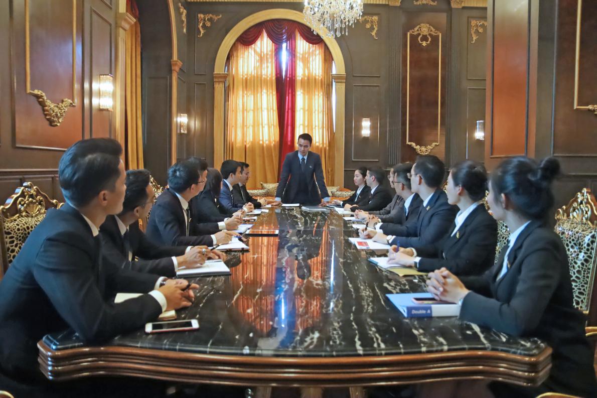 Ông Đỗ Hoàng Minh – Phó TGĐ Tập đoàn Tân Hoàng Minh tại một cuộc họp ngày 09/10/2019