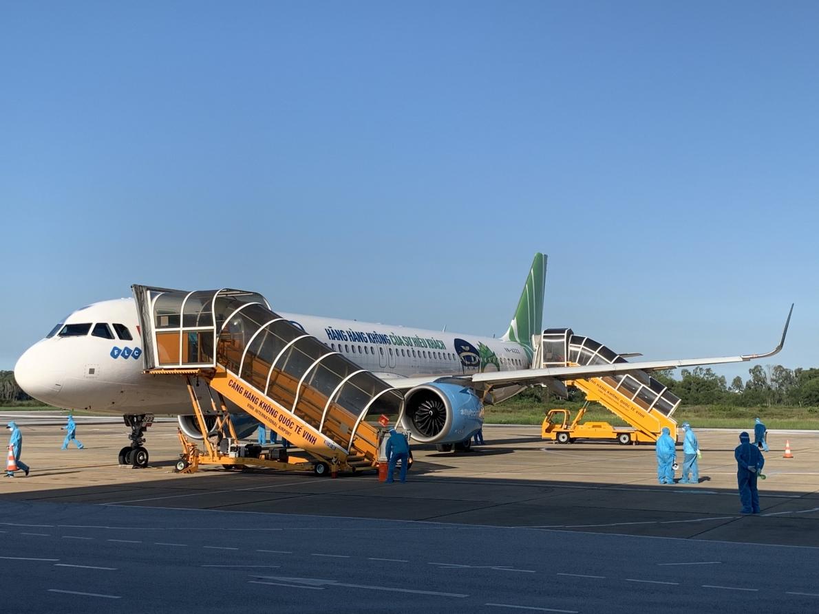 Bamboo Airways phối hợp thực hiện chuyến bay đưa gần 200 thai phụ người Hà Tĩnh từ TP HCM về quê